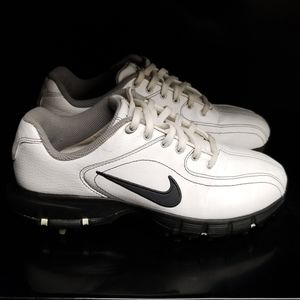 Boys White Nike Rubber Golf Cleats Shoes Sz 3Y